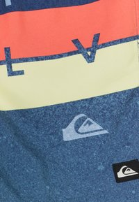 Quiksilver - WORD BLOCK VOLLEY YOUTH - Swimming shorts - true navy - 2