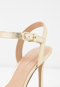 Lauren Ralph Lauren - METALLIC GWEN - High heeled sandals - pale gold - 2
