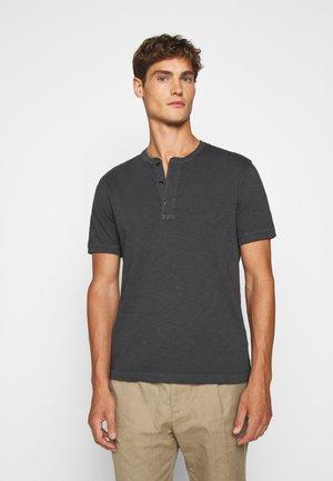 GARMENT DYE HENLEY - Basic T-shirt - black