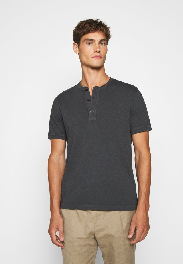 GARMENT DYE HENLEY - Basic T-shirt - black