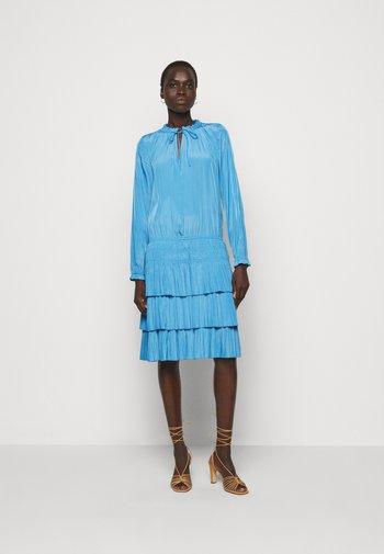 SAO PAULO LOVELY DRESS - Denní šaty - electric blue