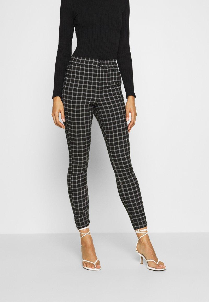 Hollister Co. - CHAIN - Kalhoty - black