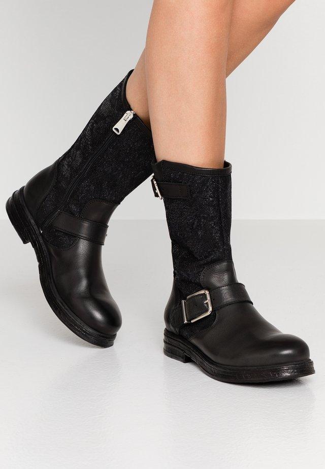 VENERA - Kowbojki i obuwie motocyklowe - black