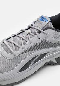 Reebok - RIDGERIDER 6.0 - Zapatillas de trail running - pure grey/grey - 5
