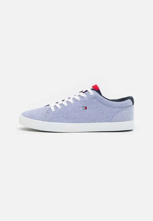 ESSENTIAL - Trainers - moon blue