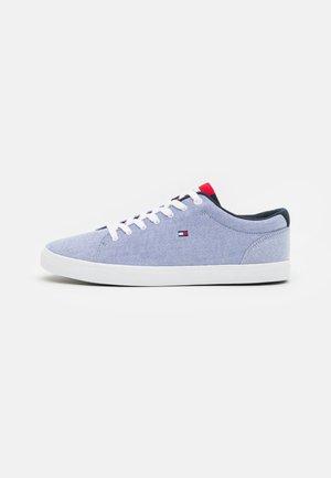 ESSENTIAL - Sneakersy niskie - moon blue