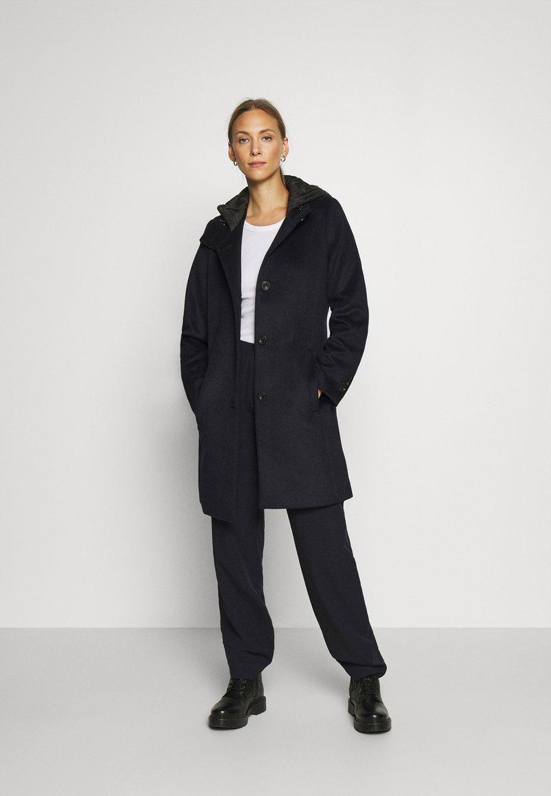 Esprit Collection - HOOD - Klasyczny płaszcz - navy