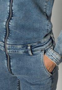 ONLY - ONLCALLI JUMPSUIT - Jumpsuit - light blue denim - 4