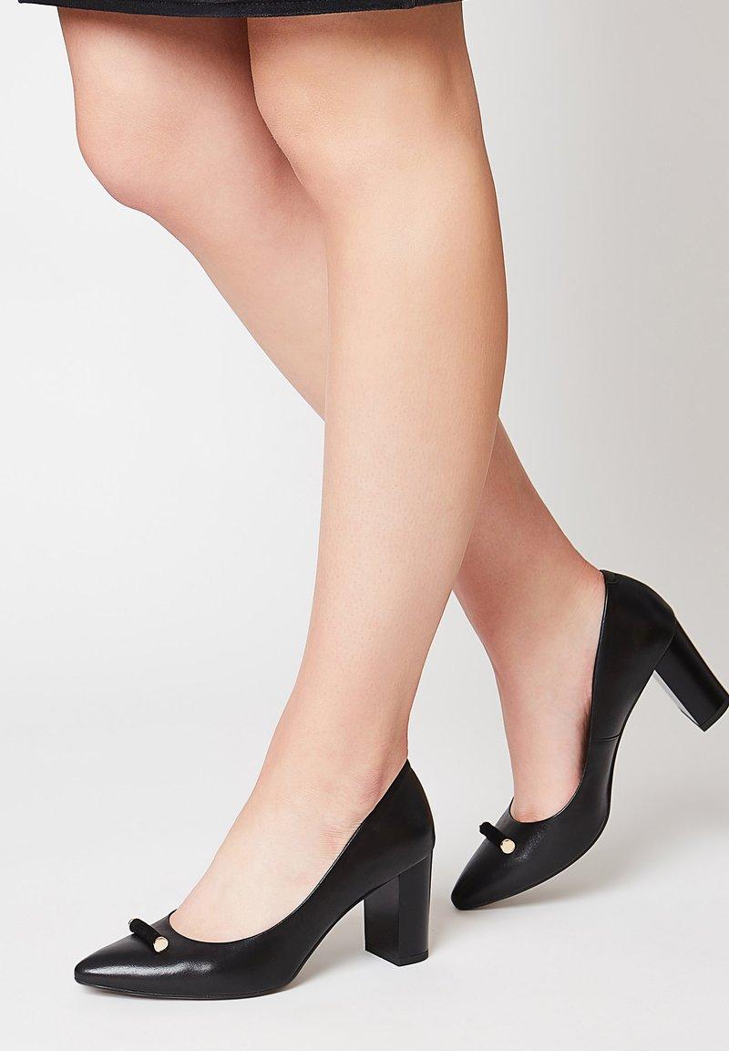 RISA - Classic heels - schwarz