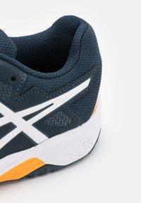 ASICS - GEL-RESOLUTION 8 UNISEX - Tenisové boty na všechny povrchy - french blue/white - 5