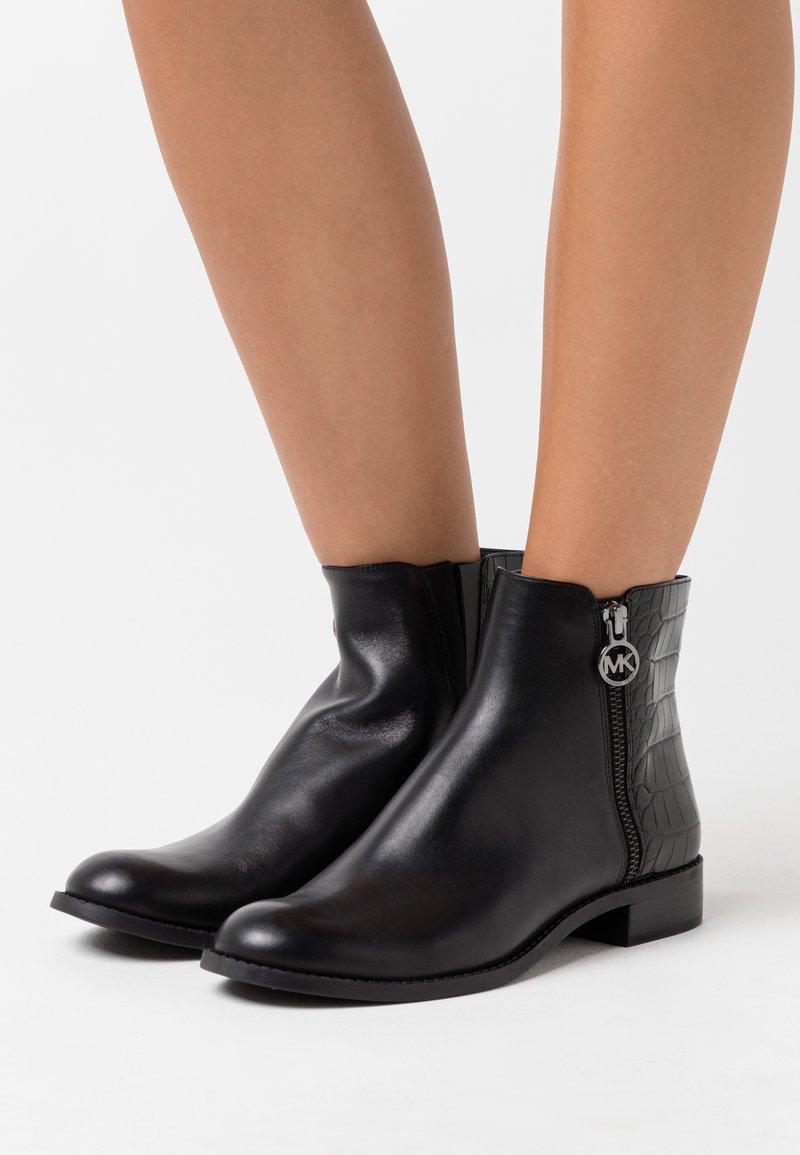 MICHAEL Michael Kors - LAINEY - Classic ankle boots - black