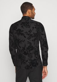 Twisted Tailor - MARSHALL SHIRT - Camicia - black - 2