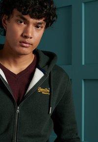 Superdry - ORANGE LABEL CLASSIC - Zip-up hoodie - campus green grit - 1