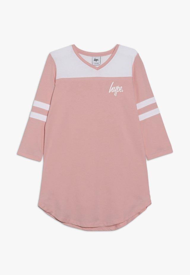 KIDS TEE DRESS HOCKEY - Jerseykleid - pink