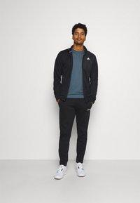 adidas Performance - FREELIFT SPORT ATHLETIC FIT LONG SLEEVE SHIRT - Sports shirt - legblu - 1