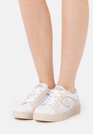 ELEA - Tenisky - white/beige