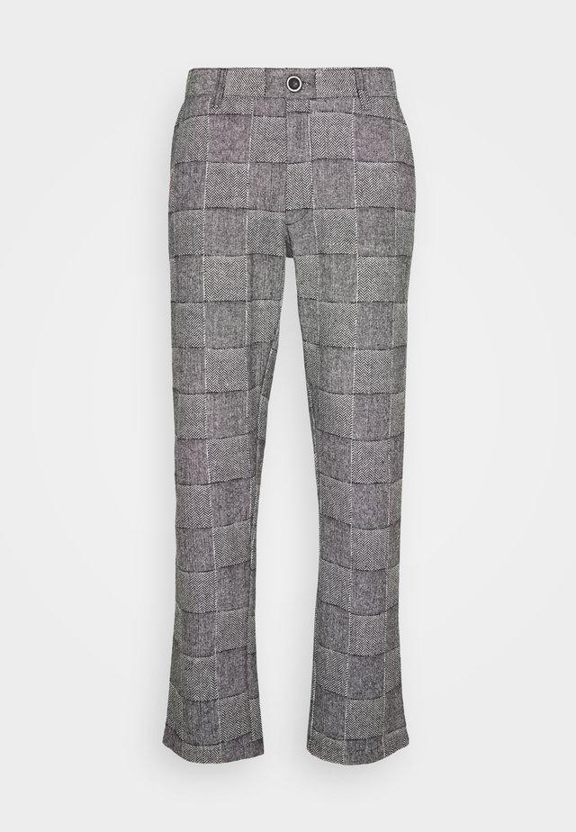 AKJOHN PANTS - Spodnie materiałowe - cavair