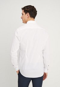 Esprit Collection - SLIM FIT - Formal shirt - white - 2