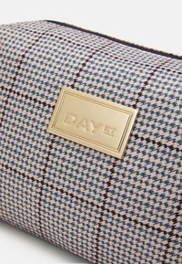 DAY ET - CHECK BEAUTY - Wash bag - blue nights - 3