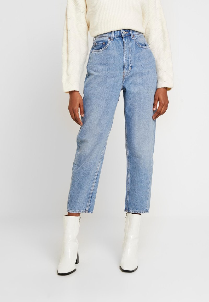 Weekday - MEG HIGH MOM WASHED BACK - Jeans straight leg - air blue