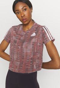 adidas Performance - TEE - Camiseta estampada - scarlet/white - 3