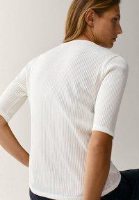 Massimo Dutti - CREW NECK - T-shirt basic - white - 1