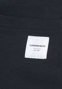 Lindbergh - PIGMENT DYED - Shorts - navy - 6