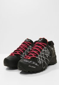 Salewa - WILDFIRE GTX - Hiking shoes - black/white - 2