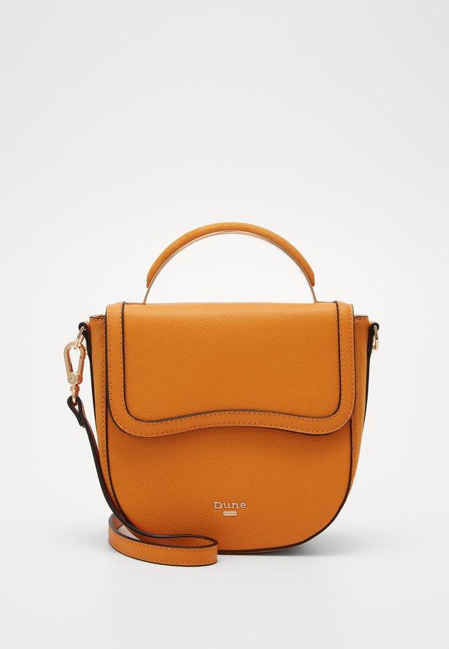 DERLIE - Across body bag - orange-plain