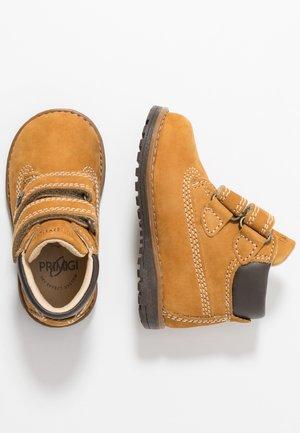 Kotníkové boty - senape
