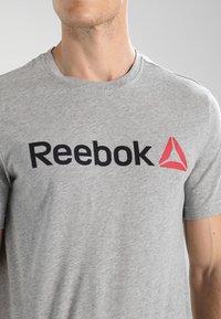 Reebok - TRAINING ESSENTIALS LINEAR LOGO - Sports shirt - medium grey heather - 3