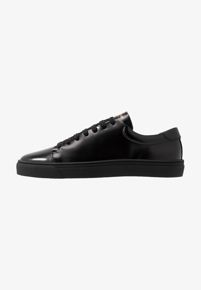 CLUB - Trainers - black