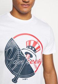 New Era - NEW YORK YANKEES MLB SPLIT GRAPHIC - Club wear - white - 5