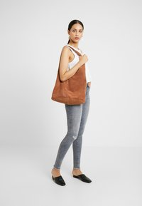 Noisy May Tall - NMLUCY - Jeans Skinny Fit - light grey denim - 1