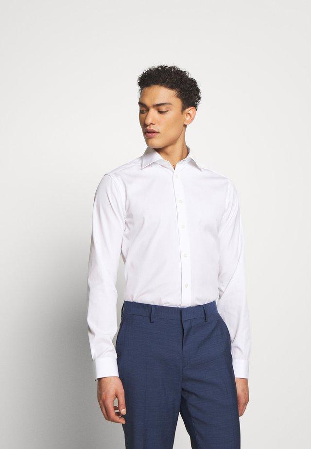 SUPER SLIM FIT - Formální košile - white