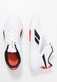 Reebok - FLEXAGON FORCE 2.0 - Sports shoes - white/black/red - 1