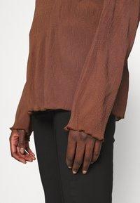ARKET - Camiseta de manga larga - choclate brown - 5