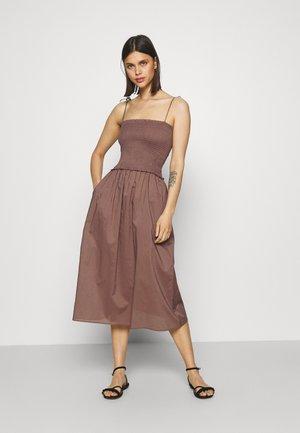 DRESS - Accessoire de plage - brown