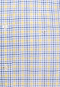 Lauren Ralph Lauren - SUPIMA STRECH REGULAR FIT - Shirt - yellow/multi - 2