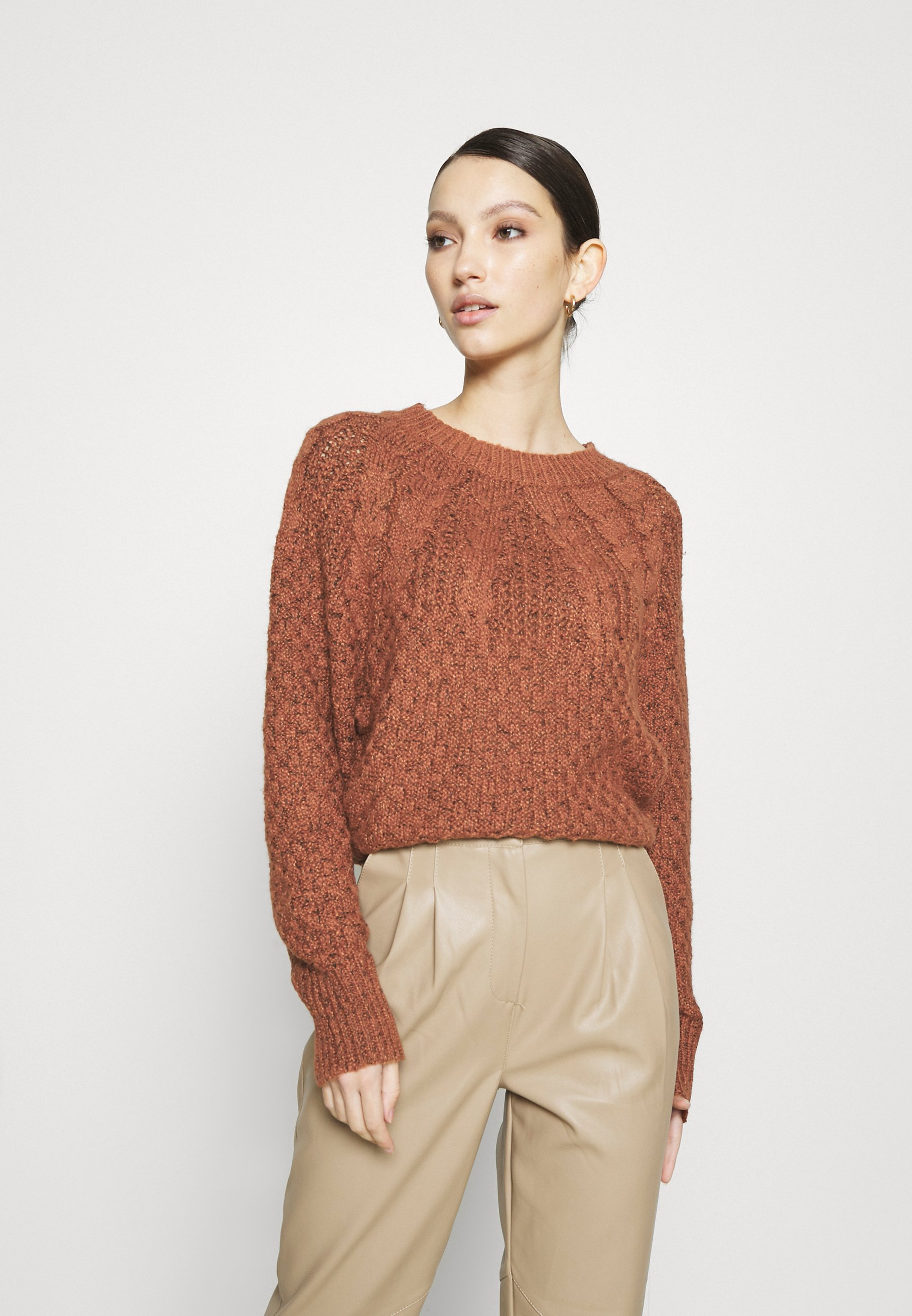 Femme PLACED CABLE RAGLAN - Pullover