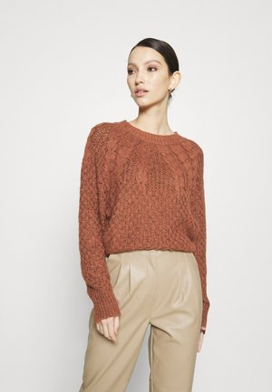 PLACED CABLE RAGLAN - Svetr - rust