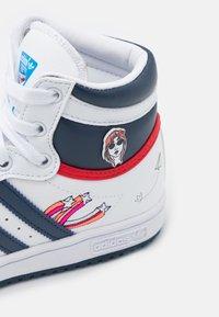 adidas Originals - TOP TEN UNISEX - Sneakers high - footwear white/crew blue/bright blue - 5