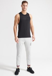 Superdry - SPORT TRAINING BOOTCAMP DROPPED - Top - black - 1