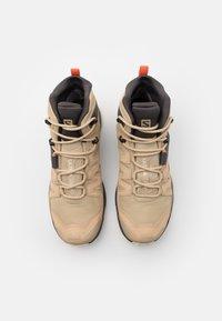 Salomon - X ULTRA 4 MID GTX - Hiking shoes - safari/magnet/persimon - 3