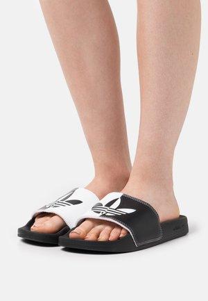 ADILETTE LITE - Pantofle - footwear white/core black