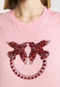 Pinko - QUENTIN - Print T-shirt - rosa - 4