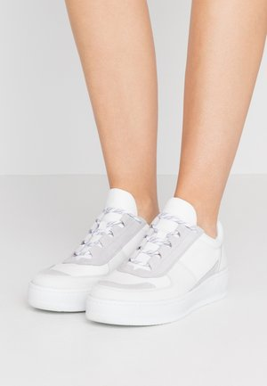 LAURA HIKER - Trainers - ivory