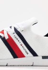 Tommy Hilfiger - SPORTY LIGHTWEIGHT  - Sneakers - white - 2