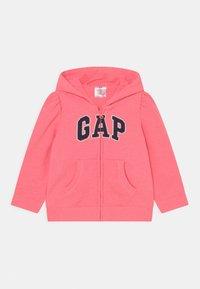 GAP - LOGO - Zip-up sweatshirt - sassy pink - 0