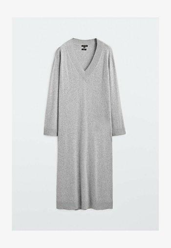 AUS MIT V-AUSSCHNITT  - Jumper dress - grey